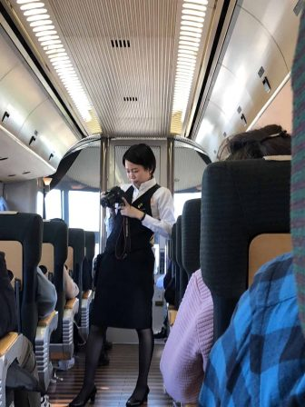 """Giappone-Kyushu-Oita-treno-espresso-""""Yufuin no Mori"""""""