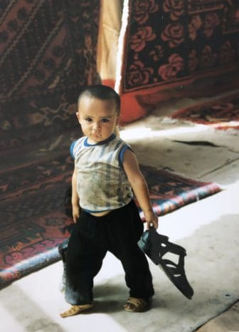 China-Turpan-bazaar-boy