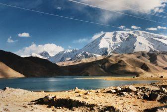 中国、カラクリ湖とその周辺