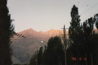 China-Tashkurgan-morning light-mountain-street