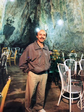 Iran-Hamadan-Alisadr-caffe-grotta