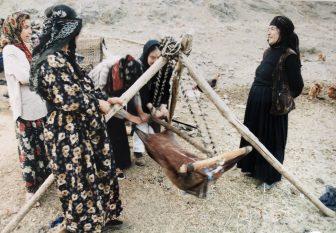 イラン ハマダーン 遊牧民 クルド人 バター作り