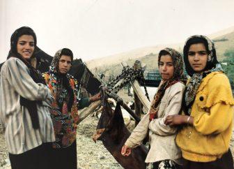 Iran-Hamadan-ragazze-nomadi