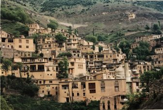Iran-Masuleh-houses-windows