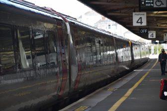 イングランド プリマス 駅 プラットフォーム 四番線 列車