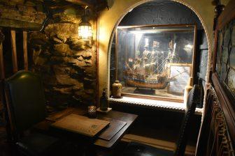 イングランド コーンウォール州 ルー レストラン Smugglers Cott テーブル