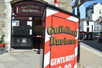 Inghilterra-Cornovaglia-Looe-barbiere-gabbiani