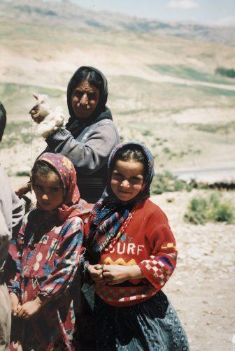 Iran-Marboreh-Bakhtiari people-woman-children-spinning wool