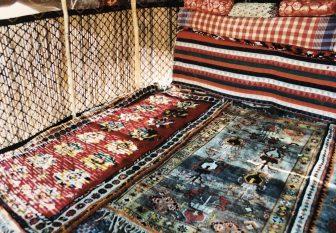 イラン セミロム カシュカイ族 テント 絨毯