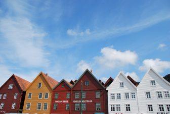 casas-peculiares-ciudad-centro-Bergen-Noruega