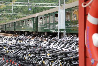 ノルウェー Norway in Nutshell Tour フロム鉄道 フロム駅 列車 無数の自転車