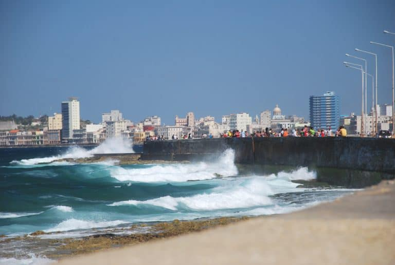 The last places we visited were Centro Habana and Malecon