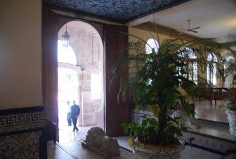 ハバナのホテル・セビリアの玄関