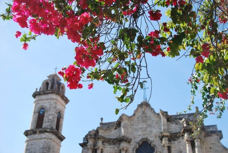 El hotel histórico y la antigua ciudad de La Habana