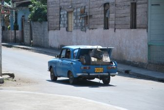 Cuban holiday : on the way from Havana to Trinidad