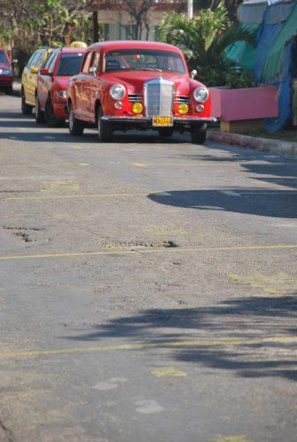 La fila di taxi a Varadero