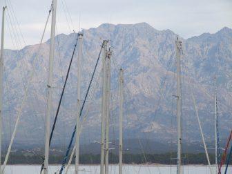 Montañas-rocosas-desde-Calvi-Córcega