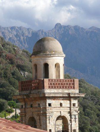 Una torre a Lumio villaggio nella regione de La Balagne