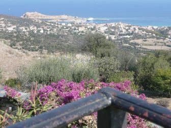 Il panorama di La Balagne la regione di Ile Rousse