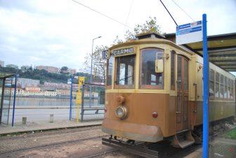 Oporto's old fashioned tram