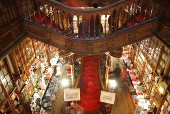 About Lello Bookstore and the laundry in Oporto
