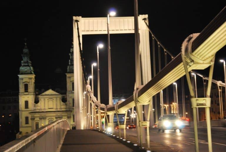Crossing the Elisabeth Bridge to the restaurant on the Buda side