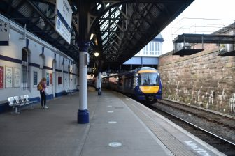 platform of Dundee station