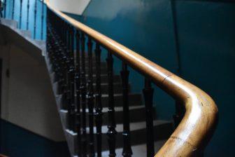 エディンバラのエアビーの階段