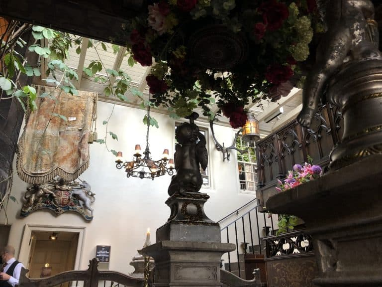 El restaurante Witchery By The Castle en Edimburgo