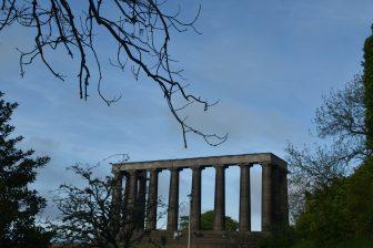 Siamo saliti sulla Calton Hill ad Edimburgo