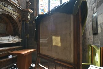 セント・ジャイルズ大聖堂にある国民盟約のコピー
