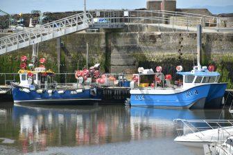 アンストルーサーの漁船