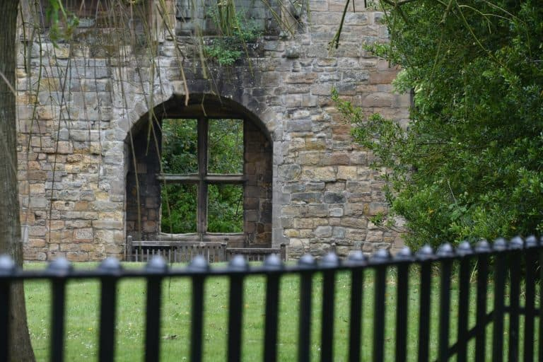 There are ruins of a palace and an abbey in Dunfermline, too