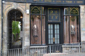 Un negozio di vestiti antichi Dunfermline
