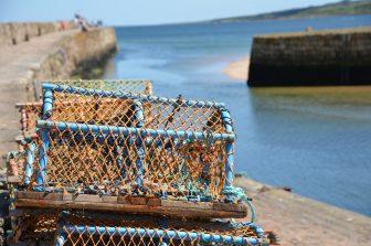 セント・アンドリュースの港付近のロブスター・トラップ