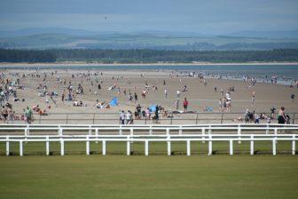 セント・アンドリュースの広々としたビーチ