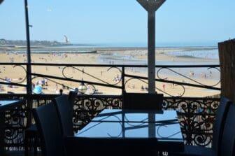 マーゲイトのレストラン、Buoy and Oyster のテラス席