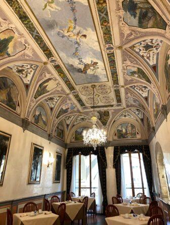 the breakfast room of Hotel degli Orafi